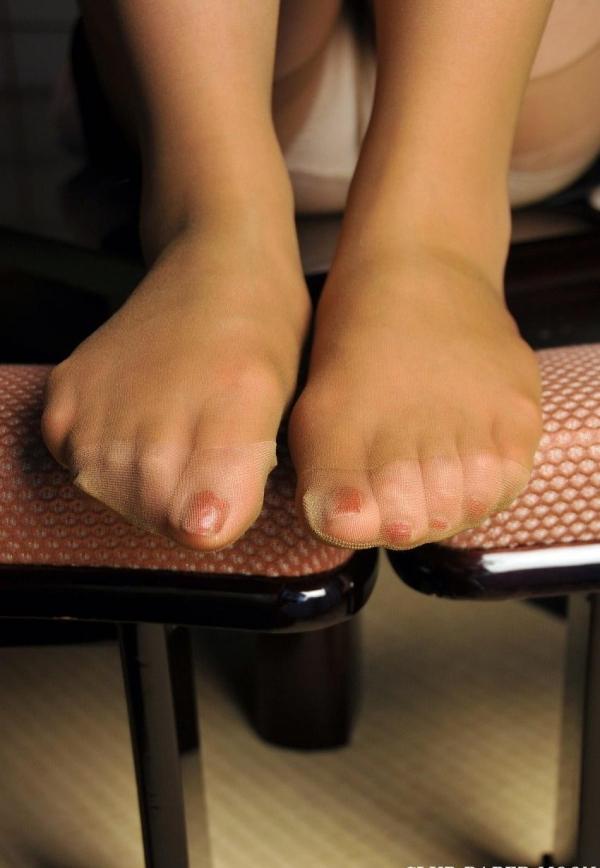 パンストつま先画像 美女の艶っぽい足先足裏60枚の13枚目