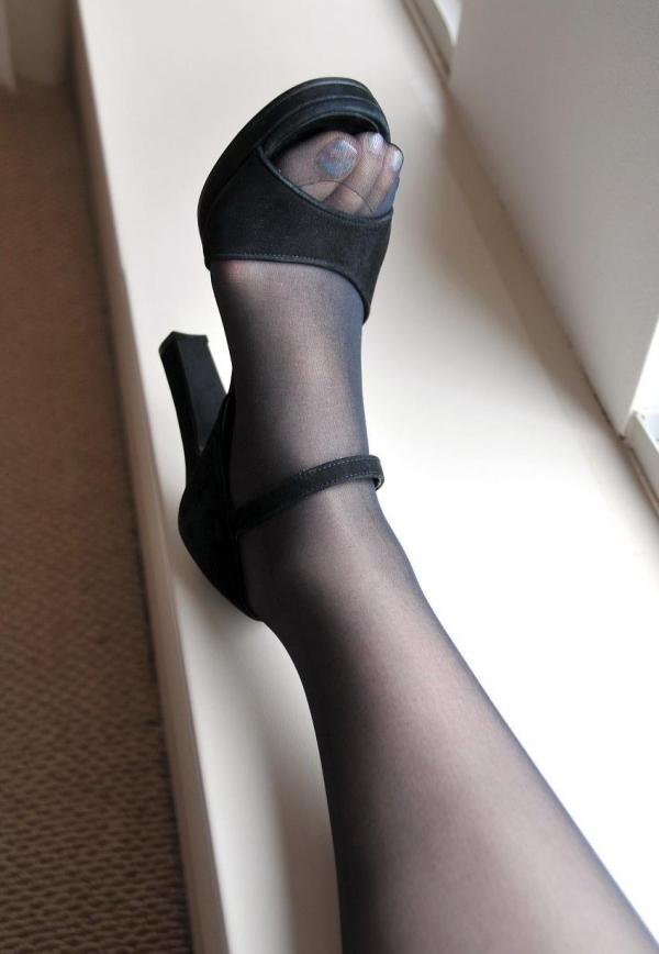 パンストつま先画像 美女の艶っぽい足先足裏60枚の14枚目