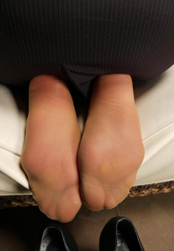 パンストつま先画像 美女の艶っぽい足先足裏60枚の17枚目