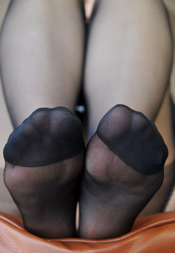 パンストつま先画像 美女の艶っぽい足先足裏60枚の22枚目
