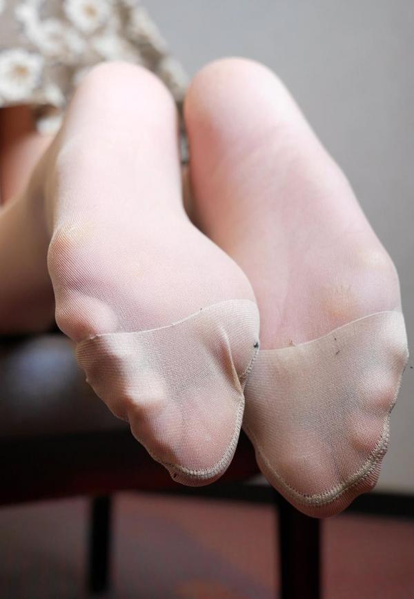 パンストつま先画像 美女の艶っぽい足先足裏60枚の31枚目
