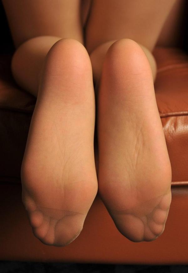 パンストつま先画像 美女の艶っぽい足先足裏60枚の43枚目