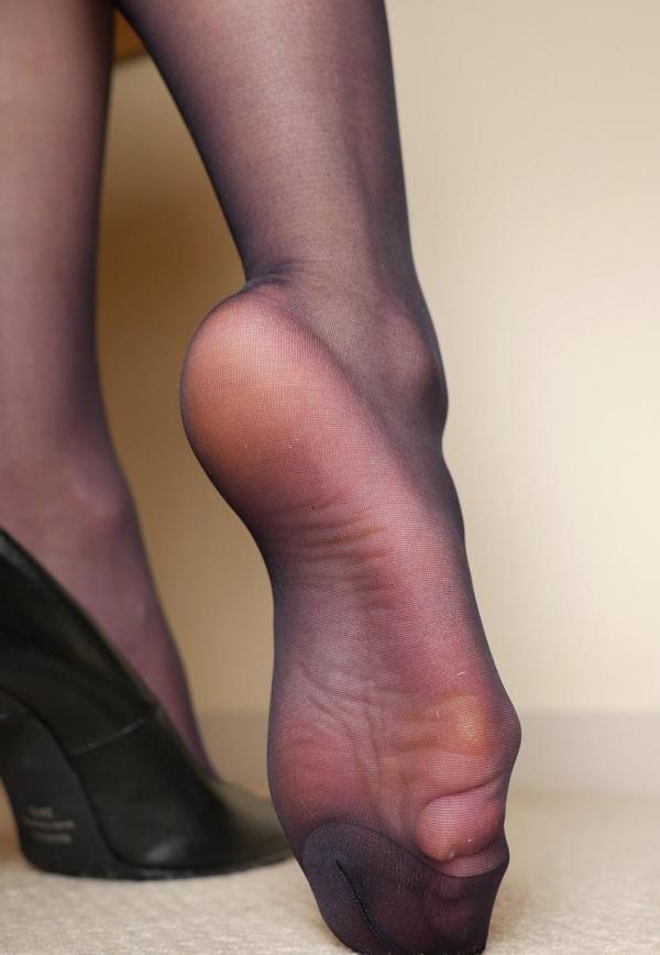パンストつま先画像 美女の艶っぽい足先足裏60枚の55枚目