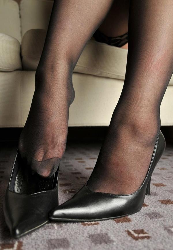 パンストつま先画像 美女の艶っぽい足先足裏60枚の58枚目