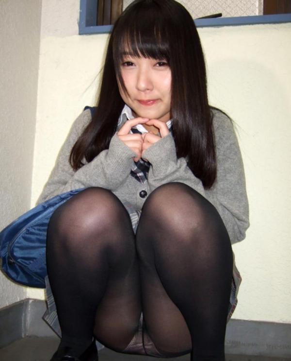 女子校生のパンティ画像 今から脱ぐので私のシミ付きパンツ見てください!JKこよみ70枚の06枚目