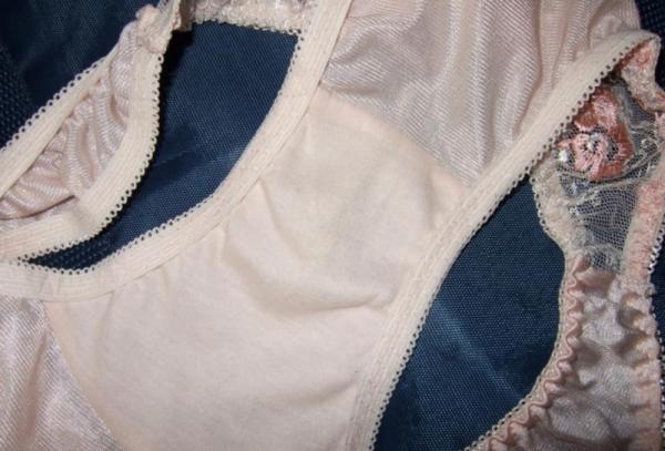 女子校生のパンティ画像 今から脱ぐので私のシミ付きパンツ見てください!JKこよみ70枚の56枚目