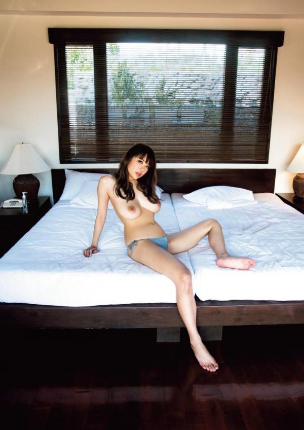 素顔のRION(りおん)爆乳美女ヌード画像70枚の22枚目