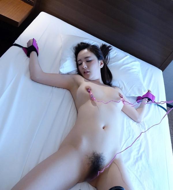 おもちゃを楽しむ不倫セックス!人妻冴島かおり画像90枚の2