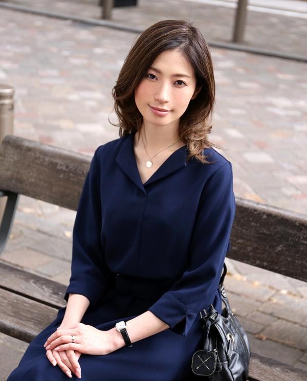 斉藤依子(堀口夏菜子)不倫する欲求不満の美人若妻エロ画像60枚の001枚目