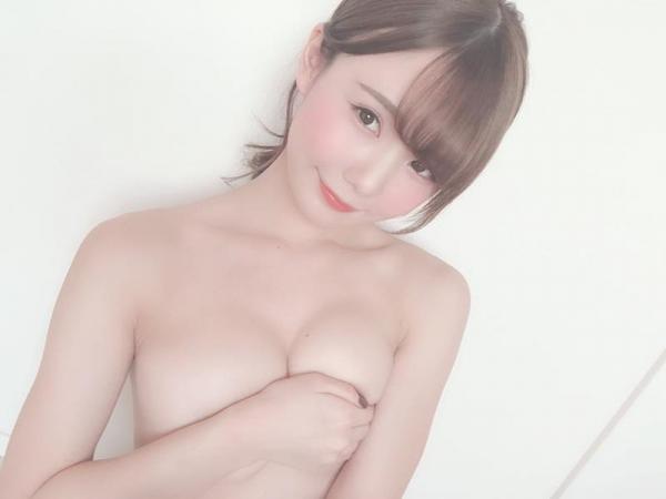 坂道みる 華奢なくびれ美乳の美少女エロ画像63枚のa018枚目