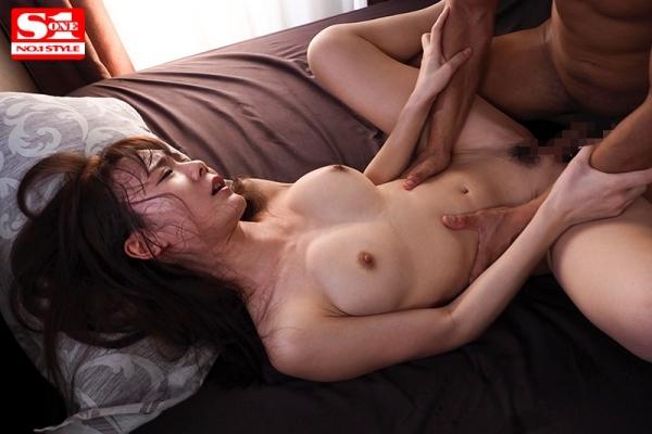 坂道みる 華奢なくびれ美乳の美少女エロ画像63枚のd011枚目