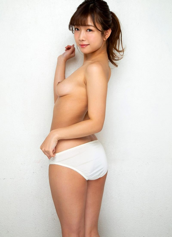 紗倉まなさん、クリトリスむきっぱなし・・・エロ画像54枚のb17枚目