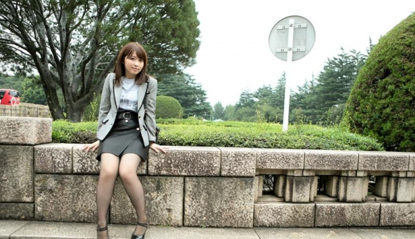 Fカップ巨乳むっちり美女 桜結奈 エロ画像90枚の004枚目
