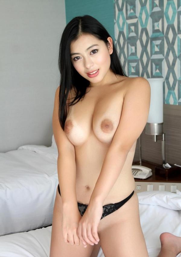 桜庭ひかり(白木エレン)むっちり太めなパイパン美女エロ画像90枚の039枚目