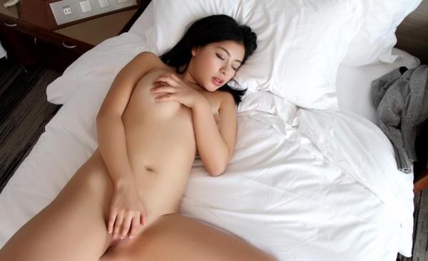 桜庭ひかり(白木エレン)むっちり太めなパイパン美女エロ画像90枚の050枚目