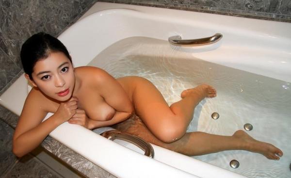 桜庭ひかり(白木エレン)むっちり太めなパイパン美女エロ画像90枚の085枚目
