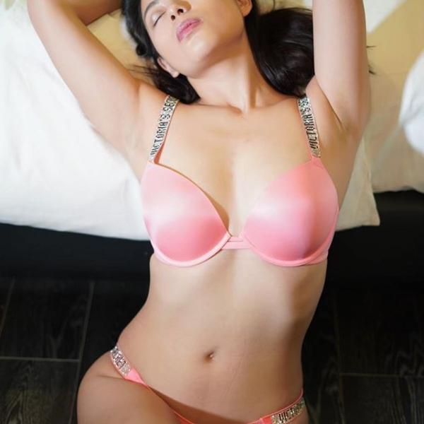 桜庭ひかり ハーフのGカップ巨乳美女エロ画像46枚のa14.jpg