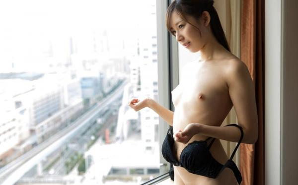 桜木エリナ(新川優衣)スレンダー美乳美女エロ画像90枚のb051枚目
