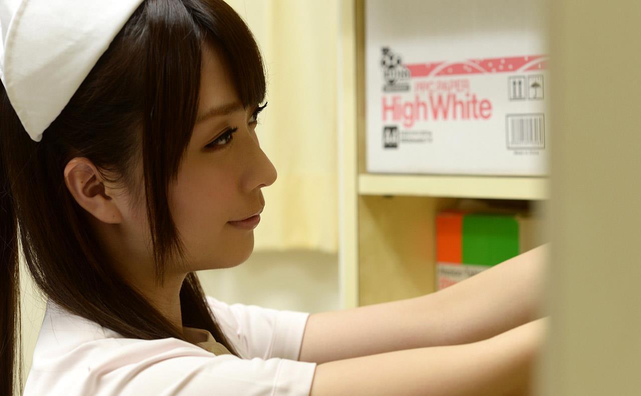 ナースエロ画像 ちっぱい桜木優希音ヌード110枚の02枚目