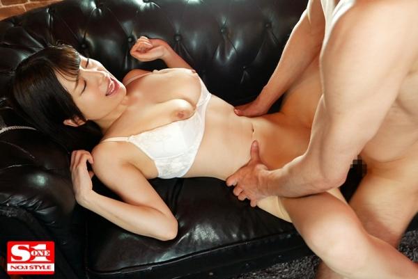 桜羽のどか 大きな瞳の透明感溢れる美少女エロ画像50枚のc06枚目
