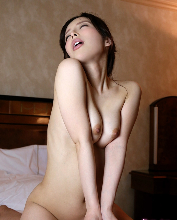 桜井彩 スレンダー美巨乳美女のセックス画像88枚の2