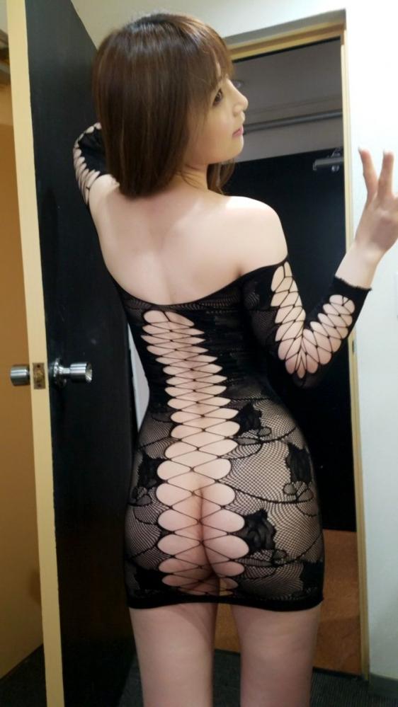 美しい人妻佐々木あきさんの最新オフショットがこちらの50枚ですの2
