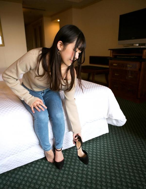 佐々木ひな 美巨乳の清純スケベ娘 エロ画像110枚の016枚目