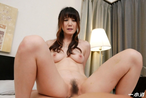 美熟女 佐々木優奈さん、我慢できずにお漏らししてしまう・・・。エロ画像62枚のa040枚目