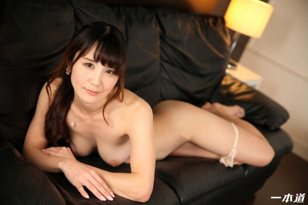 美熟女 佐々木優奈さん、我慢できずにお漏らししてしまう・・・。エロ画像62枚のa053枚目