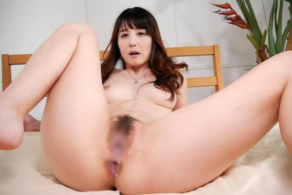 美熟女佐々木優奈さんが優しくエロく童貞くんの筆おろし画像32枚のb21枚目