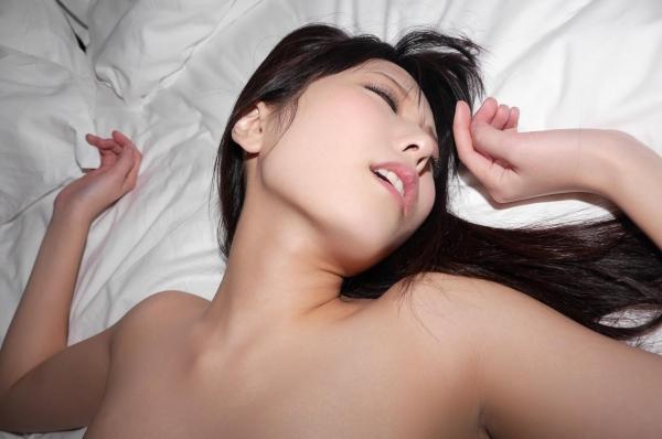 イキ顔画像 正常位のガン突きでオーガズムを迎えた女100枚の1