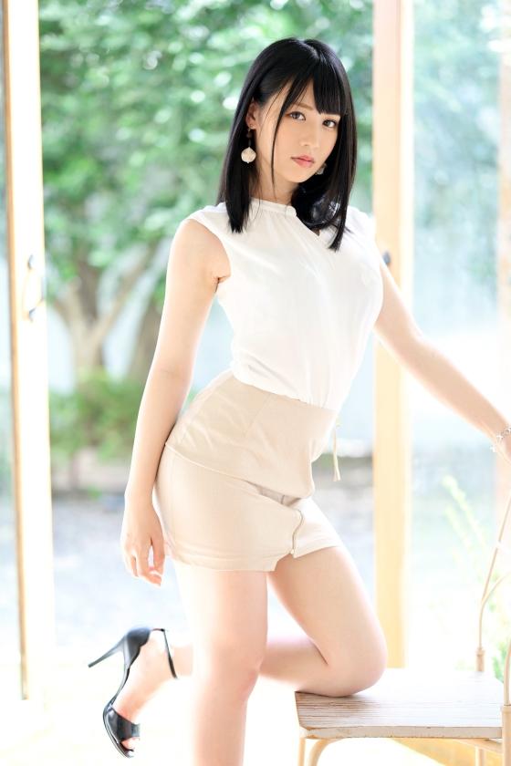 志田雪奈 透き通る様な美白肌の美少女エロ画像48枚のb01枚目