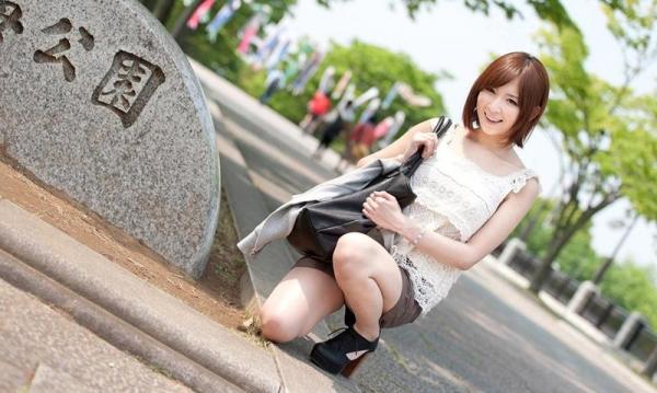 椎名ひかる 色白美乳の可愛い妹系 エロ画像80枚の002枚目