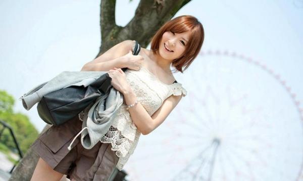 椎名ひかる 色白美乳の可愛い妹系 エロ画像80枚の005枚目