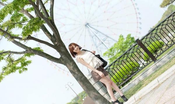 椎名ひかる 色白美乳の可愛い妹系 エロ画像80枚の006枚目