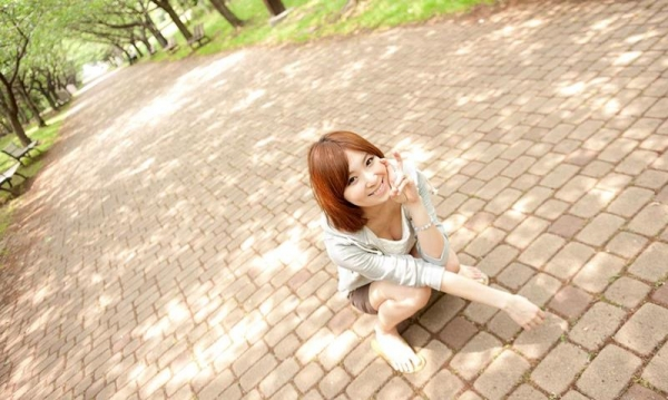 椎名ひかる 色白美乳の可愛い妹系 エロ画像80枚の015枚目
