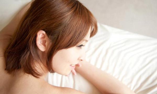 椎名ひかる 色白美乳の可愛い妹系 エロ画像80枚の033枚目