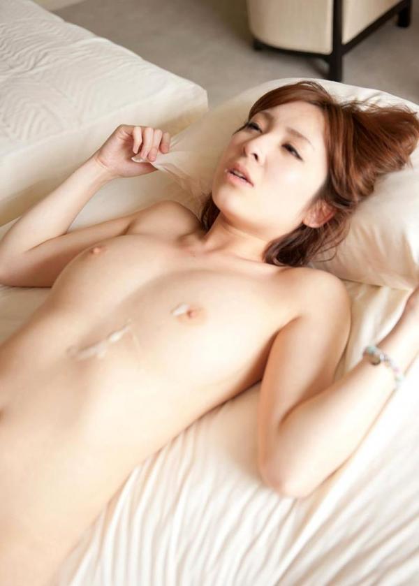 椎名ひかる 色白美乳の可愛い妹系 エロ画像80枚の080枚目