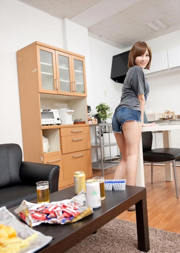 椎名ひかる ショートヘアの究極美女エロ画像70枚の004枚目