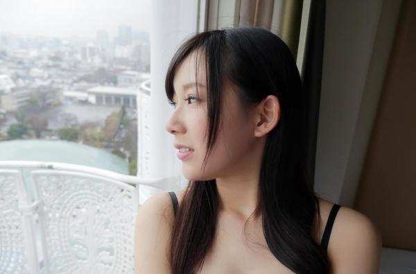 新川優衣 画像 042