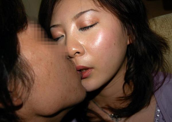 若妻の濃密セックス画像 人妻の淫らな姿66枚の50枚目