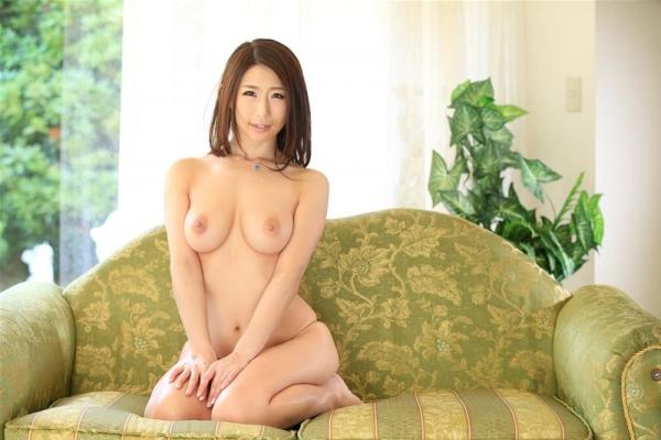 美熟女 篠田あゆみ の名作「美痴女」からエロ画像64枚のb006枚目