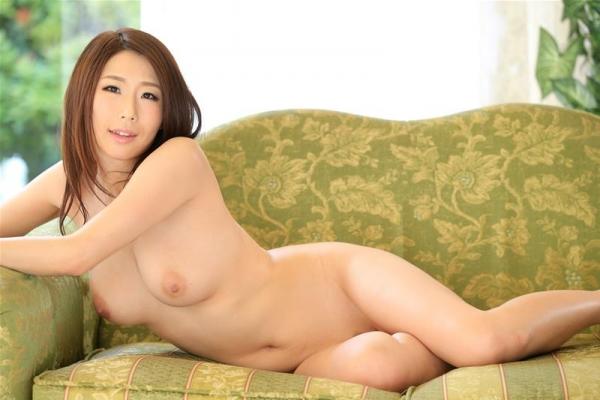 美熟女 篠田あゆみ の名作「美痴女」からエロ画像64枚のb009枚目