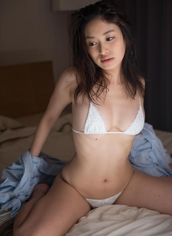 篠田りょう 画像 b017枚目