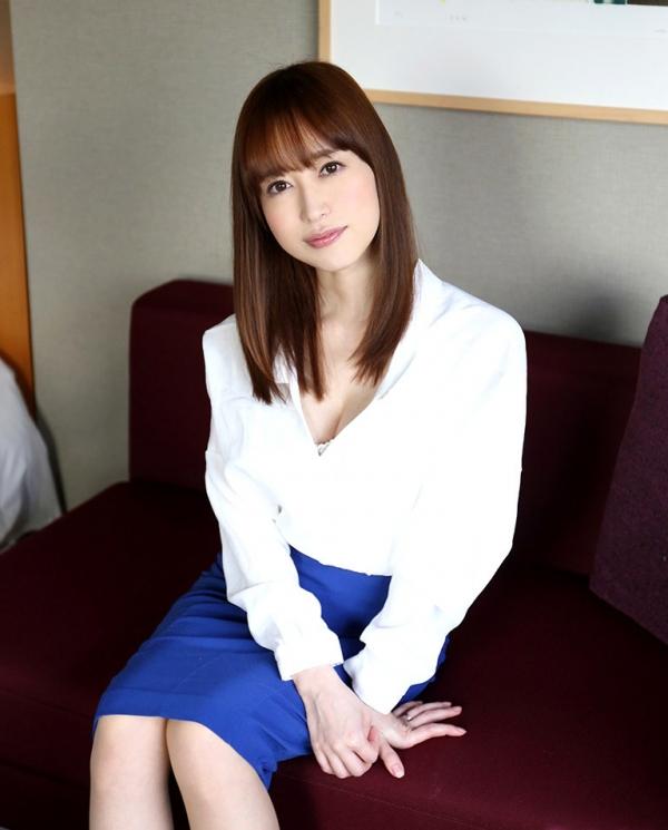 篠田ゆう たわわな巨乳の美女ハメ撮り画像90枚の004枚目
