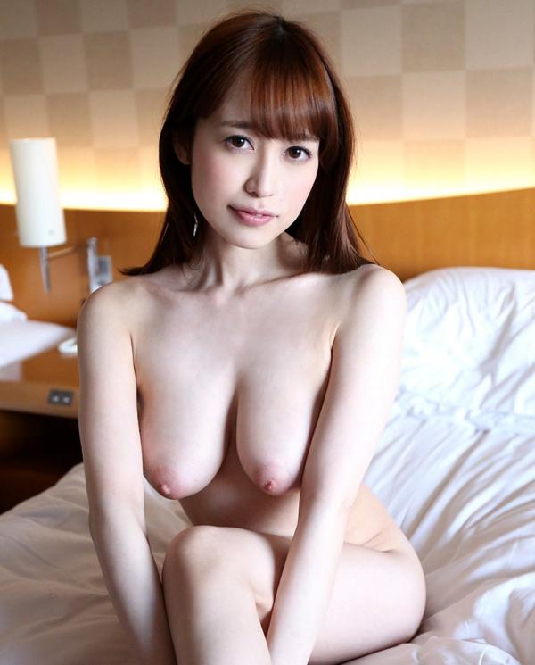 篠田ゆう たわわな巨乳の美女ハメ撮り画像90枚の015枚目