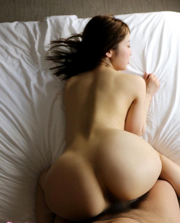 篠田ゆう たわわな巨乳の美女ハメ撮り画像90枚の023枚目
