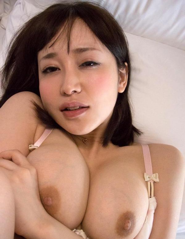 篠田ゆう たわわな巨乳の美女ハメ撮り画像90枚の059枚目