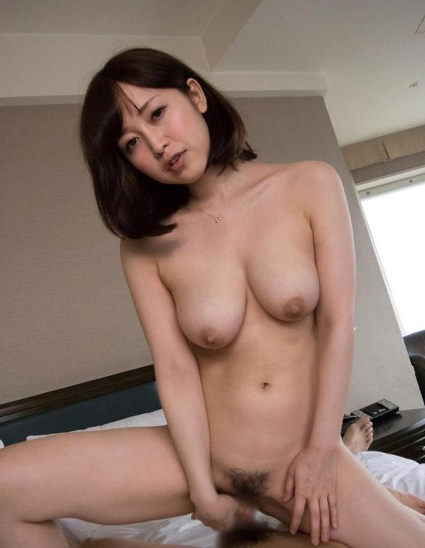 篠田ゆう たわわな巨乳の美女ハメ撮り画像90枚の060枚目