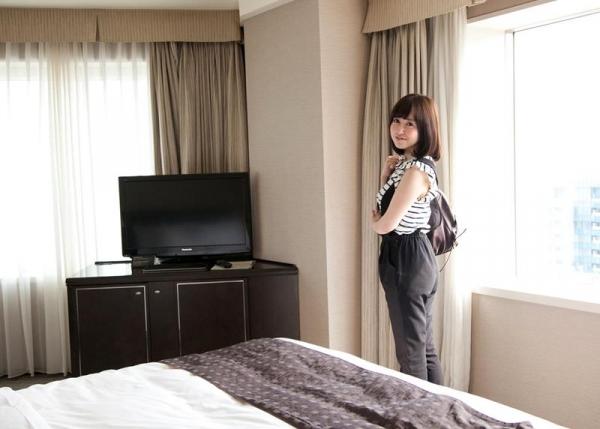 篠田ゆう たわわな巨乳の美女ハメ撮り画像90枚の090枚目